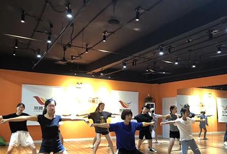平山县酒吧领舞培训学校那个好,少儿街舞培训学校-热门